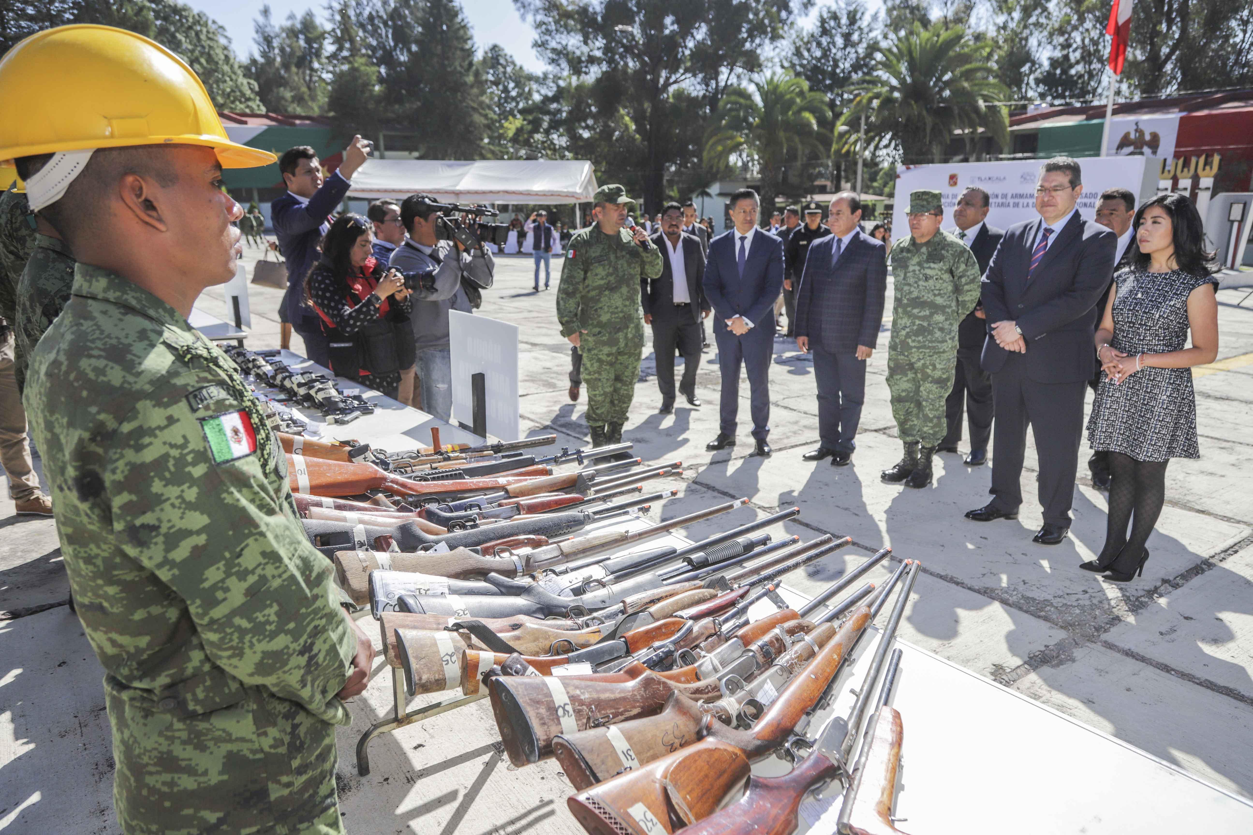 Marco Mena Encabeza Ceremonia De Destrucción De Armamento